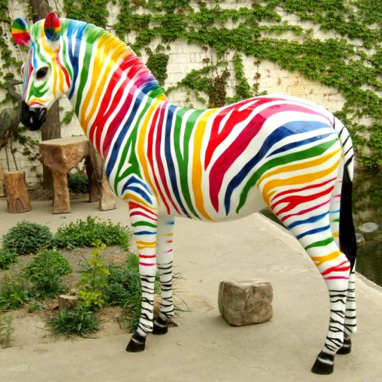 Provide different colored drawing horse statue for sale